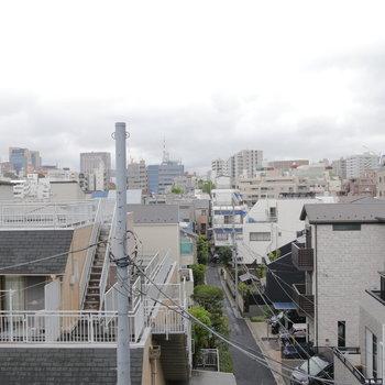 眺望はこちら。街を見下ろせます。※写真は同間取り別部屋のものです!