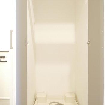 洗濯機は隠せるタイプ※写真は同間取り別部屋のものです!