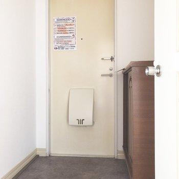 玄関は足元に余裕があります。