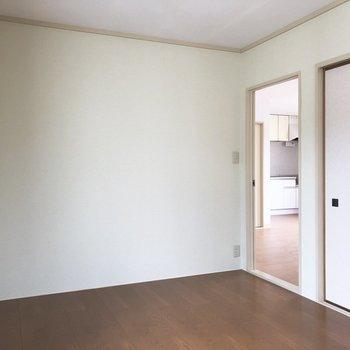 【北西側洋室】間取り図左上のお部屋です。