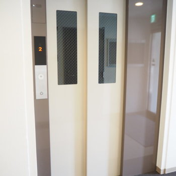 1階なので関係ないですが、エレベーターも付いてますよ〜