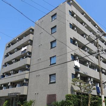 京橋駅から徒歩7分。自転車あるといいですね!