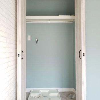 洗濯機はここに。掃除機も入るね。※写真は同じ間取りの3階のお部屋のものです