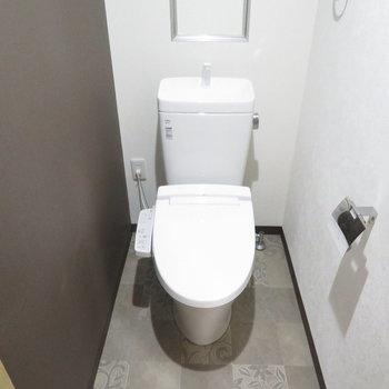 温水便座付きのトイレです