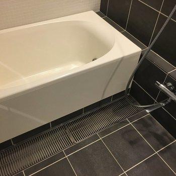 お風呂も透明のドア
