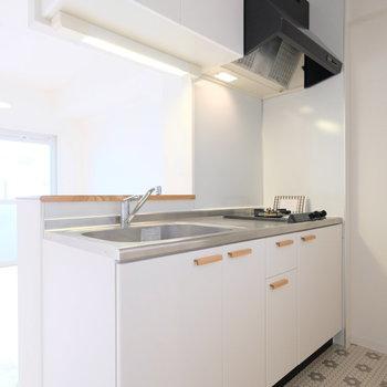 キッチンはこんなに大きい!2口ガスコンロです!