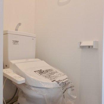 新品のトイレもうれしいですね〜