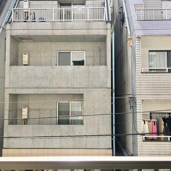眺望は住宅街。まあこんなもんでしょう
