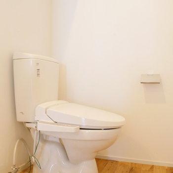 お風呂から出たとこ、トイレと、