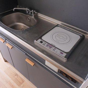 IHはフラットなので、狭いキッチンでもスペースを有効的に使えます!