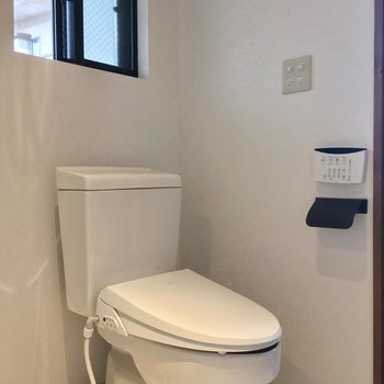 ウォシュレット付きのトイレも同じスペースに