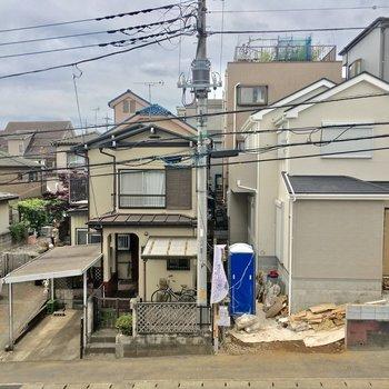 眺望は住宅街。人目は気になりませんでした