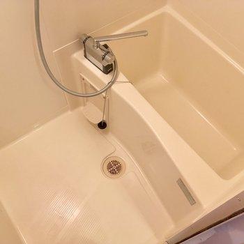 バスルームはキッチン背面から直接GO※クリーニング中の写真です