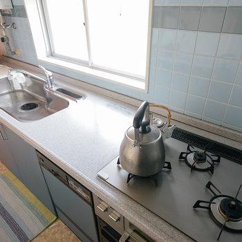 使い勝手の良い贅沢キッチンです