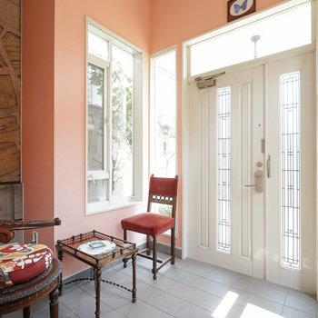 玄関ホール、気持ち良い空間です