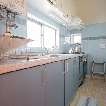 キッチンも広々していて収納もたくさん