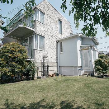庭と蔵のある一軒家!鉄筋コンクリート造です