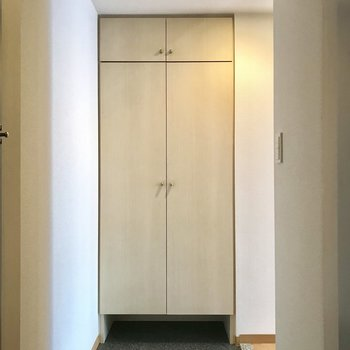 玄関狭くないです。 ※写真は前回募集時のものです