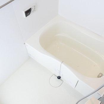浴槽はゆったり。