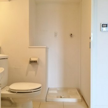 そして、洗濯機置場も一緒に ※写真は901号室
