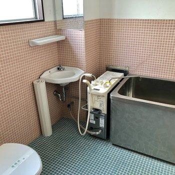 バスルームは3点同室!渋い〜