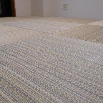 【和室】気持ちよさそうな琉球畳。