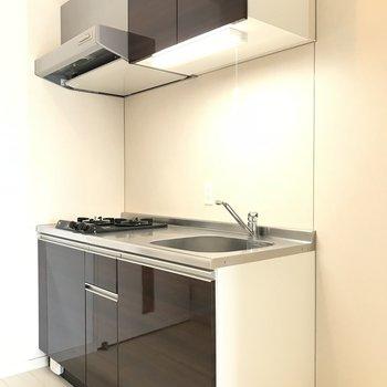 シンプルデザインでかっこいいキッチン