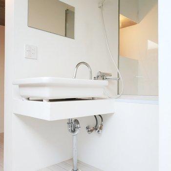 洗面台。かつてない形の洗面台。