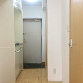 キッチンのある廊下