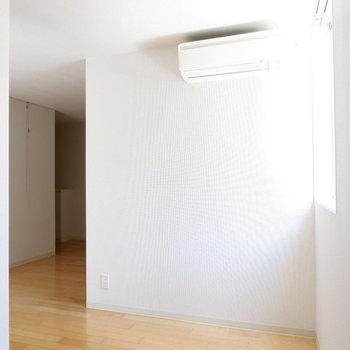 エアコンはお部屋の真ん中に!快適に過ごせますね〜