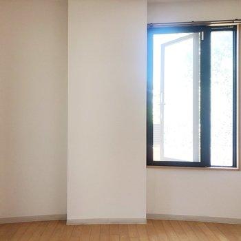 【洋室7.47帖】お次はお隣の洋室へ