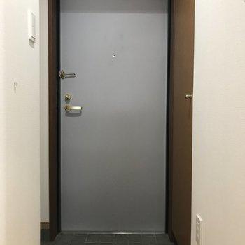 もう1つの玄関です。