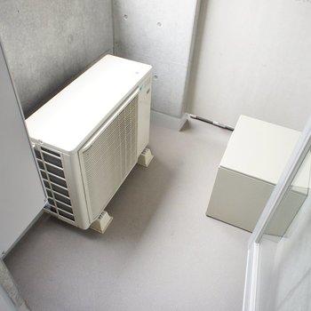こんなバルコニー ※写真は同じ間取りの3階の別部屋となります。