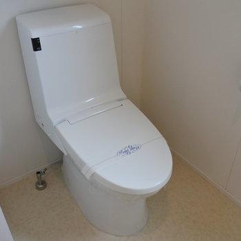 トイレはシンプルに。(※写真は同間取り別部屋のものです)