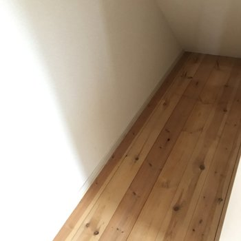 階段下収納、発見!