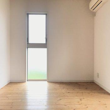 スリット窓ってオシャレね。