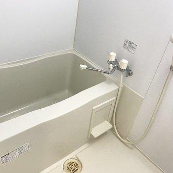 お風呂がこちら!シンプル!