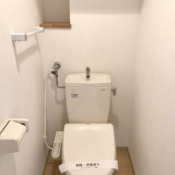 トイレの小さな棚が可愛い!!!