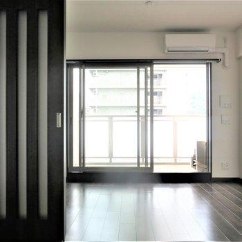 寝室と洋室はスライドドアで仕切れます。