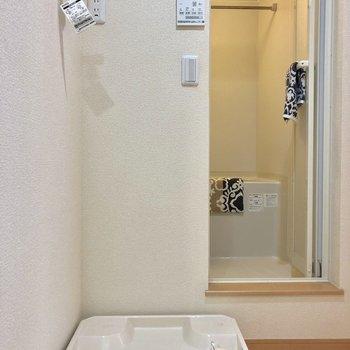 洗濯機はお風呂の手間に置きましょう