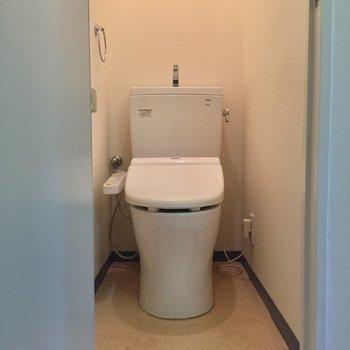 トイレは安心ウォシュレット※クリーニング前の写真です。