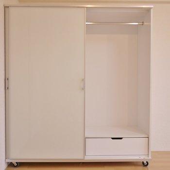 収納が可動式で、レイアウトは自由自在。※写真は3階の別部屋