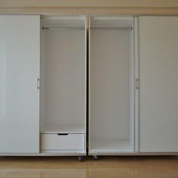 可動式の収納!収納力も任せてね♪いお部屋!。※写真は同一フロアの別部屋