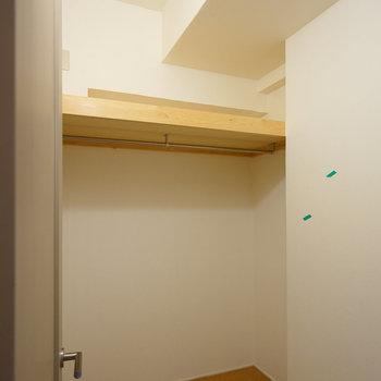 寝室のWICはこちら!