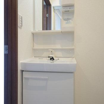 独立洗面台も嬉しいですね!