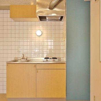 キッチンはこの間取としては、コンパクトサイズです。※写真は同タイプの別室
