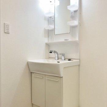 独立洗面、有り難いです!※写真は同タイプの別室です。