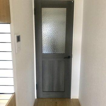 このドア!グッときました!