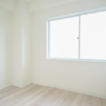 寝室は3.5帖です。
