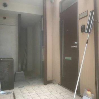 共用部玄関入り口はこちらです。